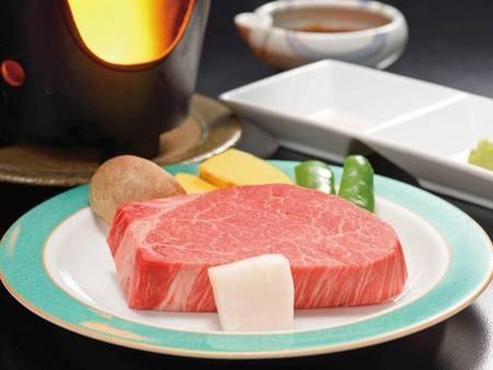 最高ランクA5の米沢牛を「ステーキ」で♪(写真一例)