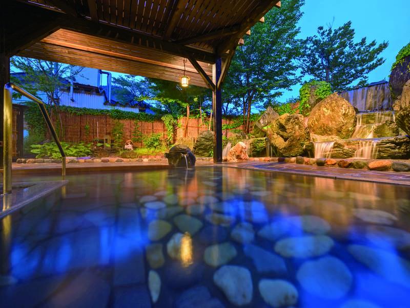 【大浴場/せせらぎ】温泉遺産に認定の源泉100%かけ流し美人の湯