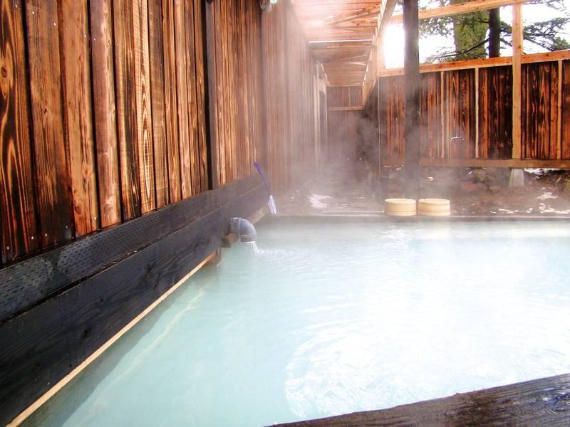 【露天風呂】100%源泉掛け流しにこだわった新鮮な温泉