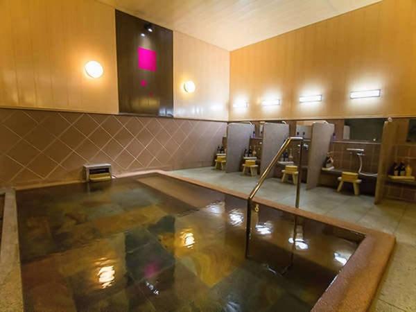 【彩花亭 時代屋】静かな時を過ごす上質な純和風旅館。名湯注ぐ半露天風呂付客室が人気!