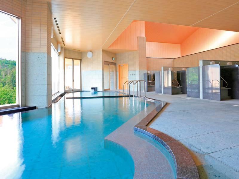【大浴場】高温と低温の浴槽がある大浴場