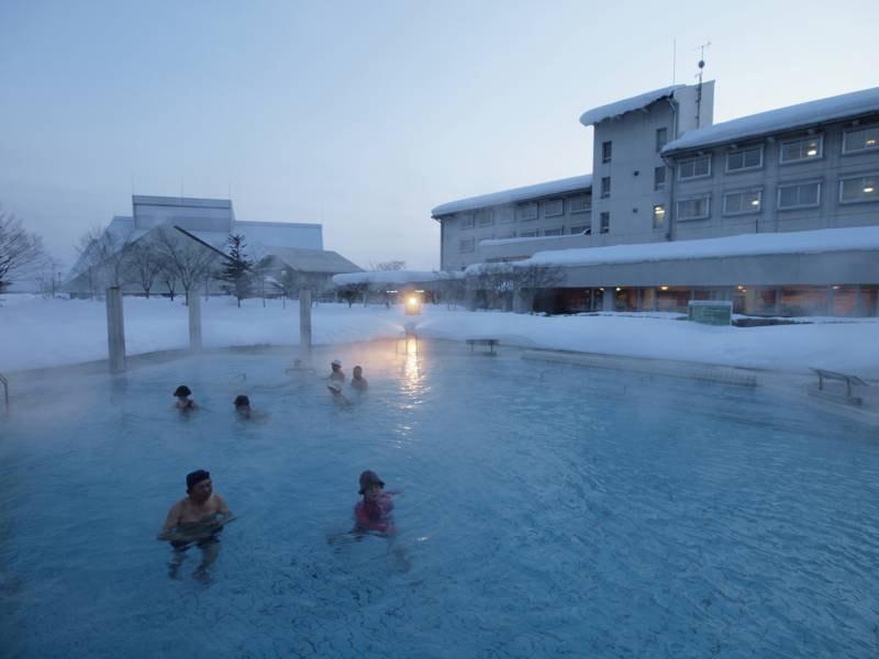 洋風露天風呂(SPAプール)水着着用/冬季も人気!