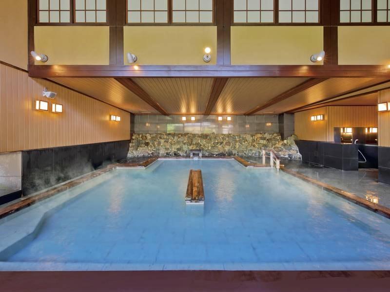 【女性大浴場/例】開放的な大浴場は、男女ともにサウナも完備の