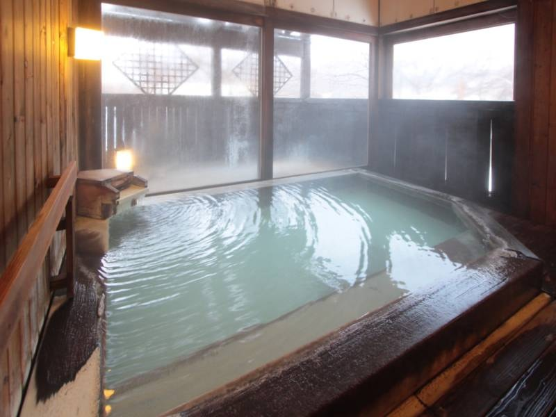 【離れ露天風呂「代吉の湯」】乳白色の源泉かけ流し!※徒歩約1分の離れにあります