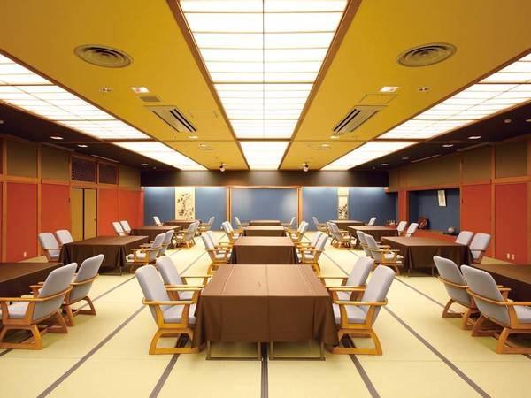 【食事会場/例】モダンな雰囲気の食事会場※食事会場は複数個所あり、状況により趣きの異なる会場になる場合がございます。