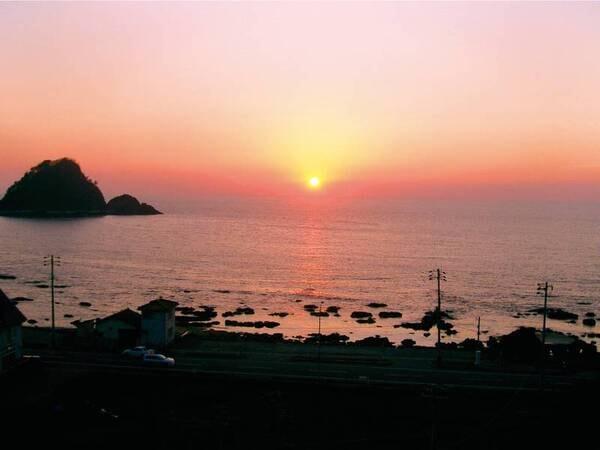 【眺望/一例】夕陽百選にも選ばれている由良海岸