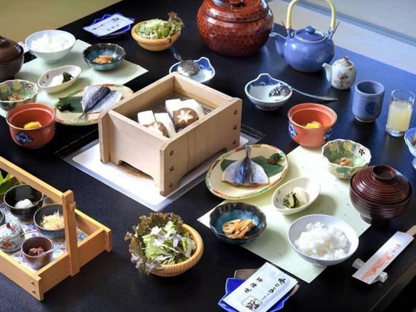 【朝食一例】米沢で作られるお豆腐や郷土の食材を使った季節のおかずをご用意!