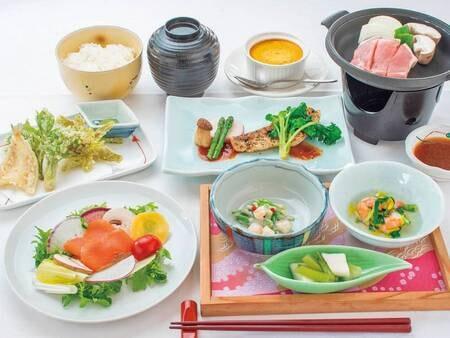 【旬の味覚/例】 地元「米の娘豚」や、季節の揚げたて天ぷらなど、約6品程の旬の味覚を堪能!!