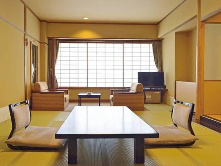 【本館11畳和室/一例】日本海を一望でき、落ち着いた雰囲気