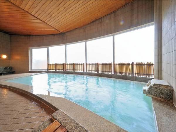 【たかみや瑠璃倶楽リゾート】24時間入浴が可能な大浴場「SPA由瑠璃」は源泉かけ流し!大自然がもてなすリゾートホテル