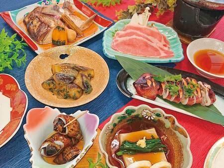 【懐かしの鶴岡郷土料理プラン/例】100種類以上あるメニューの中から、豊富な地元の旬の食材を使用した季節の郷土料理をご提供