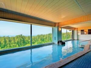 展望大浴場「鳥海の湯」5階/鳥海山を望む