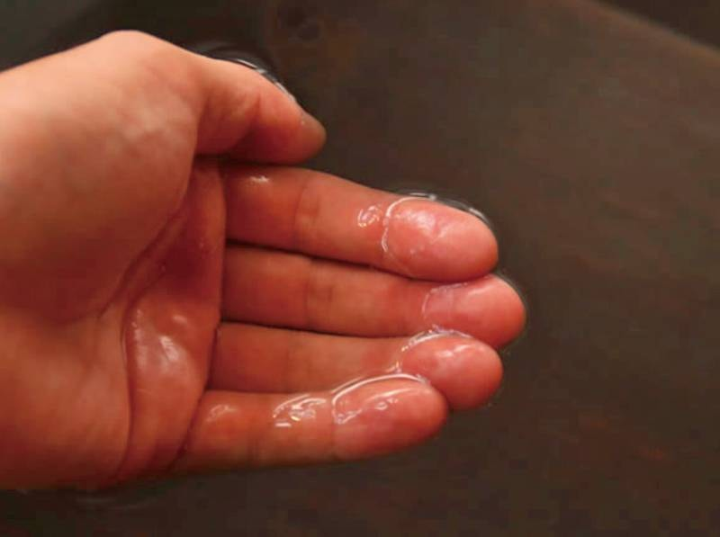 【温泉】湯ノ花の量が多い時は、お湯が乳白色に見えることも