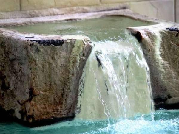 【姫の湯/霧氷】お湯は熱めですが、お肌がスベスベになる「美肌の湯」