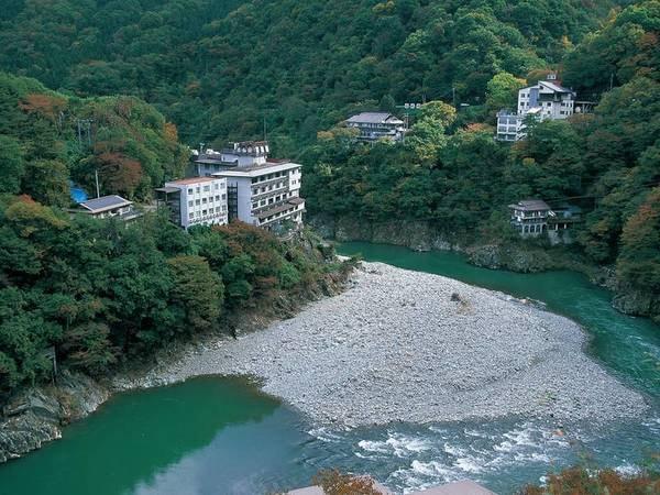 【外観】露天風呂から雄大な大川渓谷を眺望