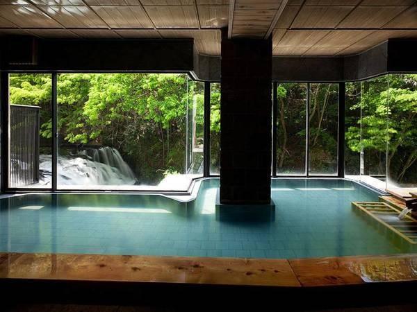 【庄助の宿 瀧の湯】渓流沿いに佇む絶景の宿