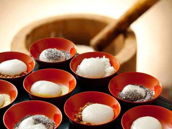 【朝食】会津産の高級もち米を使用したこだわりの「つきたて餅」
