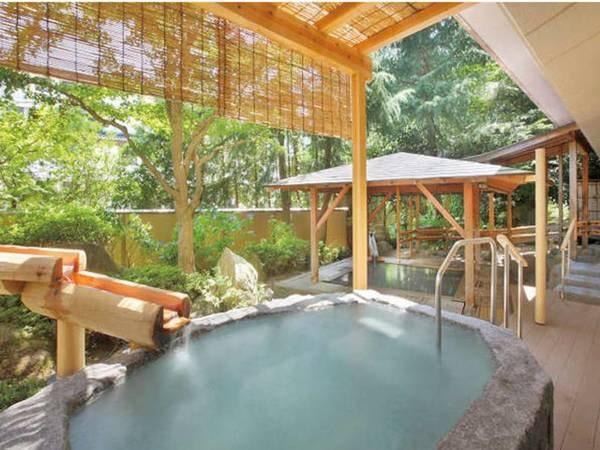 【陽日の郷 あづま館】お年玉プランでは通常2,000円増しの新館客室を無料確約!珍しい酸性泉の温泉は豊かな効能を含み、贅沢に源泉かけ流しでご堪能いただけます。約50種のこだわりバイキング、実演コーナーもあり大満足!