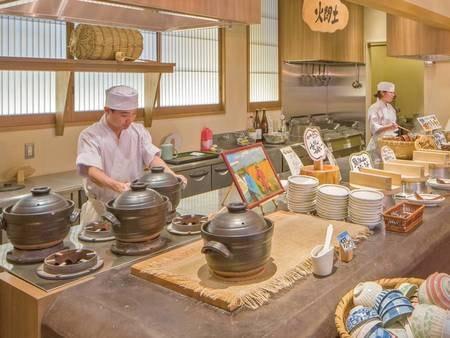 【バイキング/例】かまどで炊いた地元のお米は絶品!