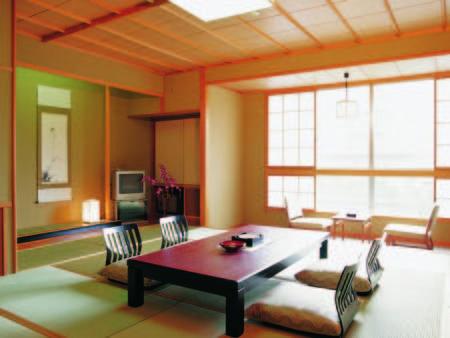 【和室(2名)/例】摺上川を望む8畳のお部屋にご案内