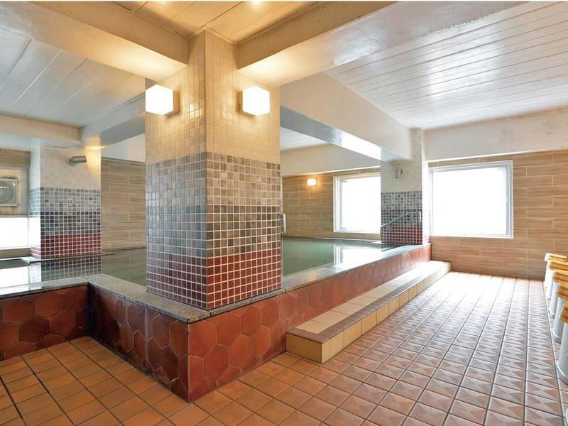 【男性浴場】2015年にリニューアル済み!源泉かけ流しを堪能ください