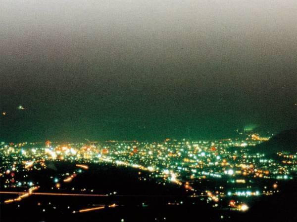 【夜景側客室/眺望一例】絶景を堪能♪