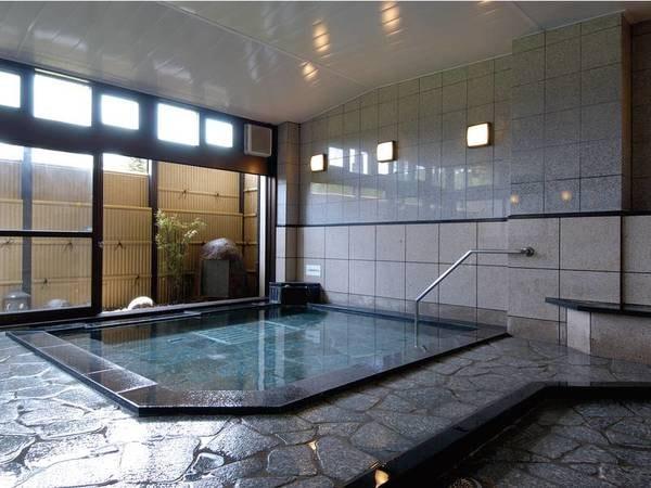 【会津アストリアホテル】四季折々の大自然に囲まれた標高1,000mの高原に佇むホテル