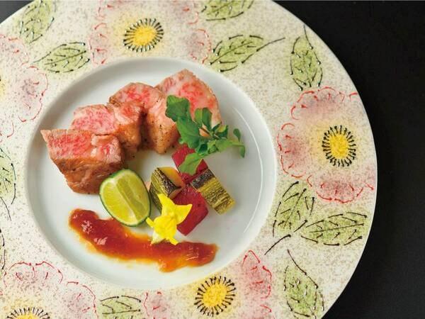 【料理長こだわり会席】スタンダードプランよりワンランク上のご夕食をお楽しみいただけるプラン