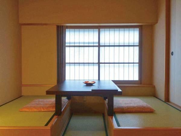 【洋室/例】畳敷きのお部屋に、低めのベッドをご用意した洋室
