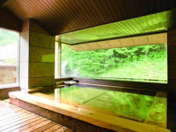 【男性大浴場/いなせの湯】木の香りを愉しみながら、ゆったりと楽しむ