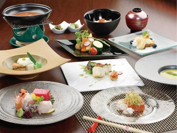 【夕食/一例】旬の味を大切にしたお料理の数々をご用意します