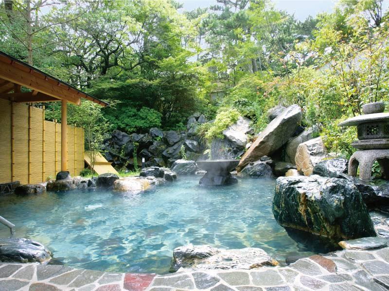 【五浦の湯/本館露天風呂】和の風情溢れる空間※休館・整備時は利用不可