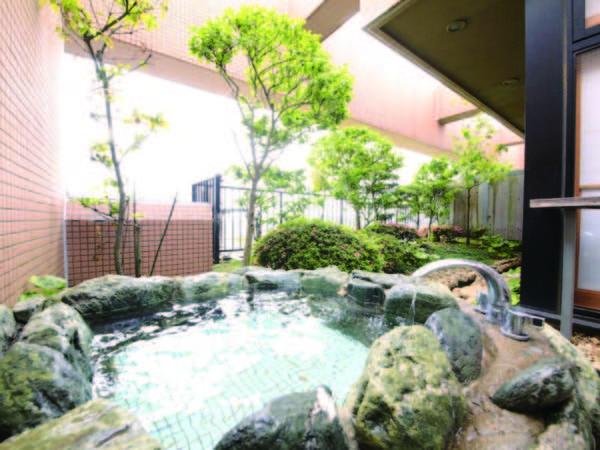 【露天風呂付客室/例】24時間入浴可能で気ままに利用