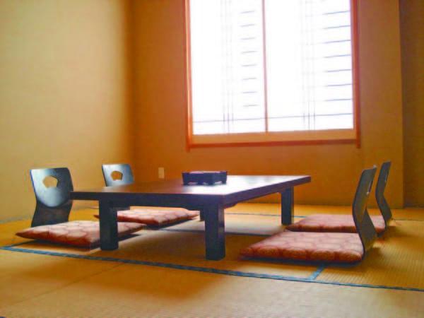 【客室/例】8畳和室。夕食は全プランお部屋食