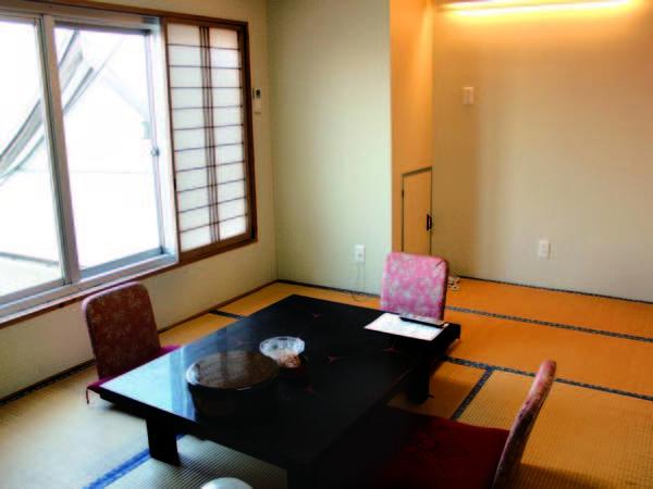 【客室/例】6畳のバス・トイレなし和室。リフォーム済みで清潔感があると評判