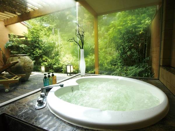 【客室露天風呂/一例】ジャグジー付きのお風呂を完備しております
