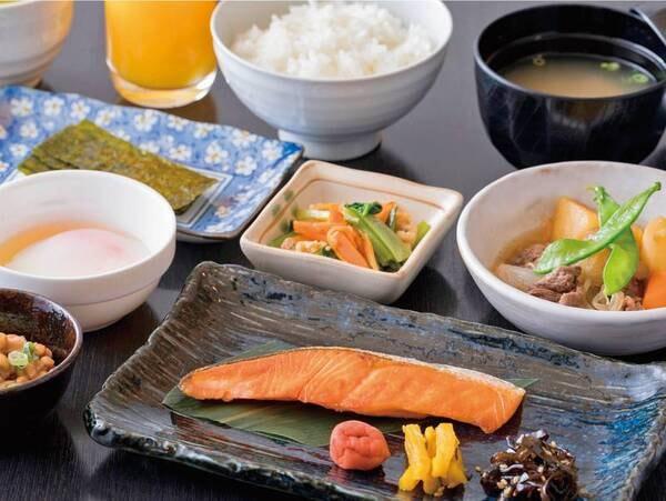 【朝食一例】毎朝すべて手作りなのがうれしい!和定食または洋定食より選択可