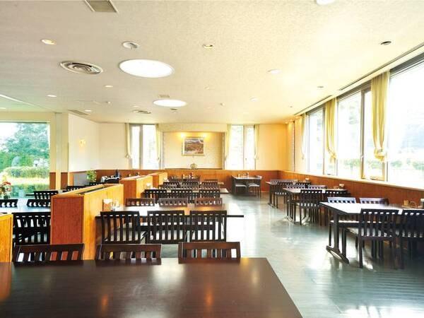 開放感あるレストラン/一例