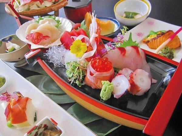 【夕食/例】お一人様に一台「舟盛り」付き和会席プラン
