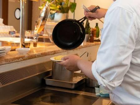 朝食/シェフが目の前で作るふわふわオムレツ