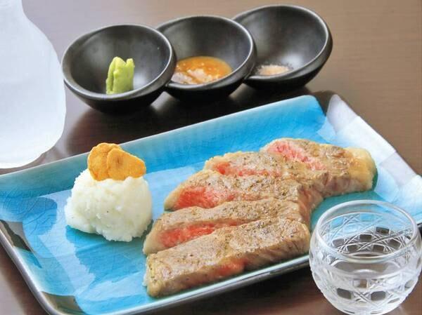 【夕食一例】創作料理【松】メイン、甘くて柔らかい、福島牛の鉄板焼き