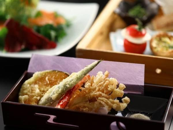 りんごで育った信州牛のすき焼き御膳(一例)/旬の天ぷらをお楽しみください