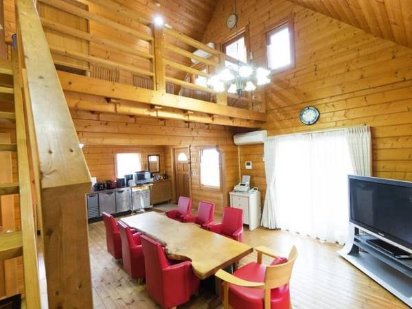 【貸別荘/例】木のぬくもりをたくさん感じられるおしゃれな空間のログハウス