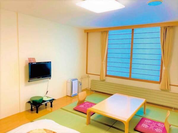 【和室10帖/例】居心地のいい和室。思い出に残るステキな時間をお過ごし下さい