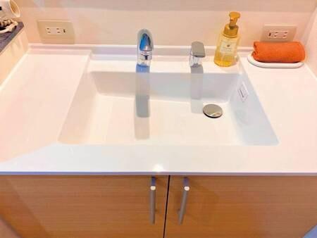 【和室10帖/例】広々とした洗面台