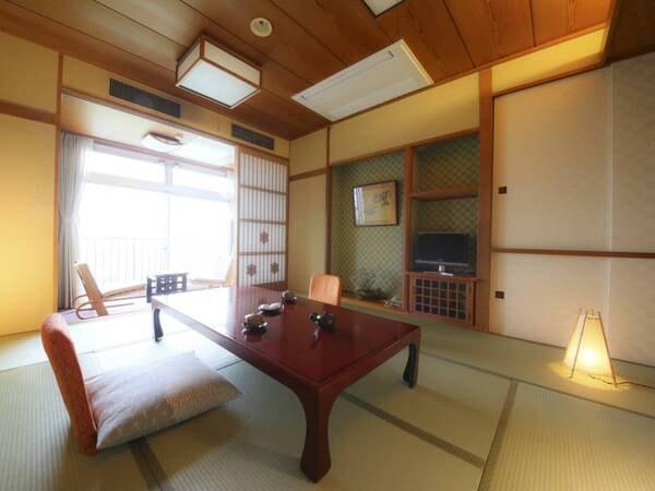 【本館】標準和室(10畳+広縁)/一例