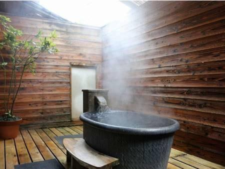 陶器の客室露天風呂/一例