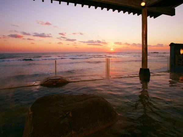 【犬吠埼潮の湯温泉 犬吠埼観光ホテル】立地抜群!海への近さ銚子No.1♪階段降りて浜辺へ行くもよし、お部屋から海満喫もよしの海を楽しむ宿ならココ。