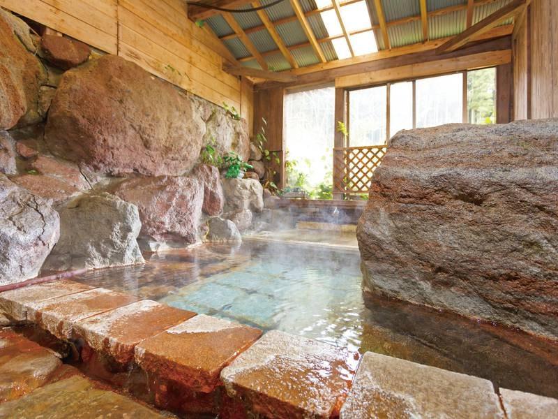 貸切半露天の岩風呂