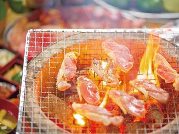 2食付・豊後牛と薩摩地鶏の炭火焼き(一例)